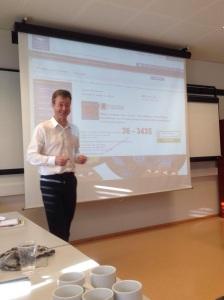 Liker du å holde foredrag? Gjør mer av det og prøv noe du ikke har gjort før. Her er jeg i manesjen hos Nordlandsforskning i Bodø.